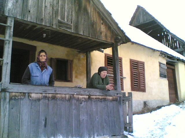 Vand casa roades, 15 km de cetatea rupea